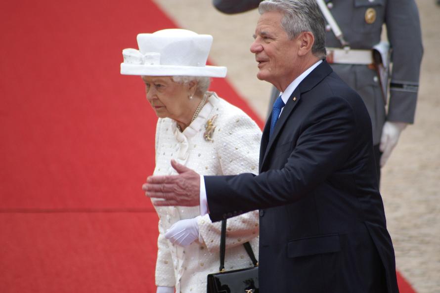 Bundespräsident Joachim Gauck und Königin Elizabeth II. verstehen sich persönlich ausgezeichnet.